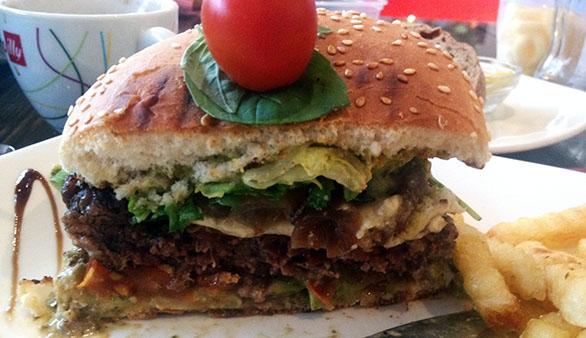 Rocca al Mare Da Vinci itaalia restoran, burger seestpoolt