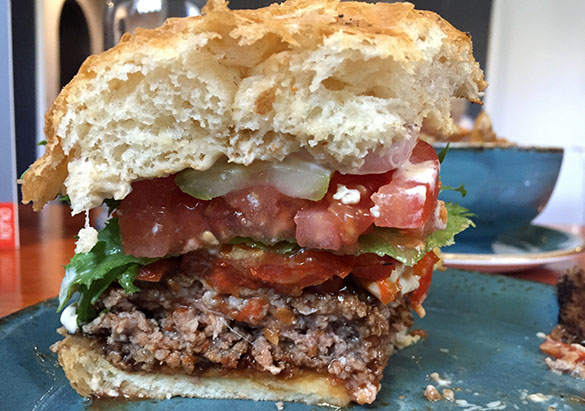 Estonian Burger Factory burgeri läbilõige