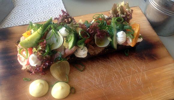 Hea kohvik restoran Viljandis Fellin lambaliha võileib