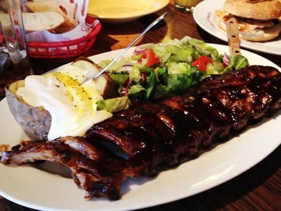 Mack BBQ famous ribs ahjukartuliga