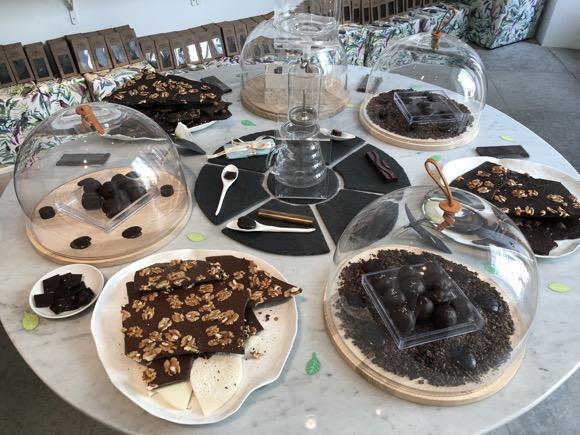 Meeleviljad šokolaadi maitsmine