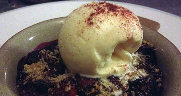 Ööbiku gastronoomiatalu Raplas Ants Uustalu magustoit