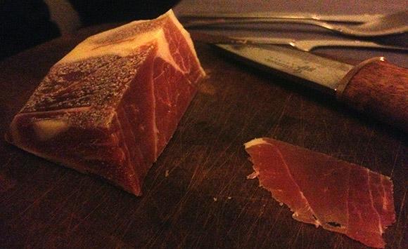 Ööbiku gastronoomiatalu Ants Uustalu metsseasink