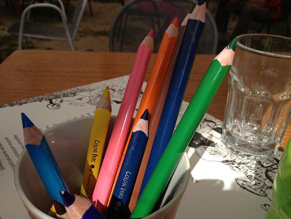 Põhjaka mõis lastesõbralik restoran, pliiatsid